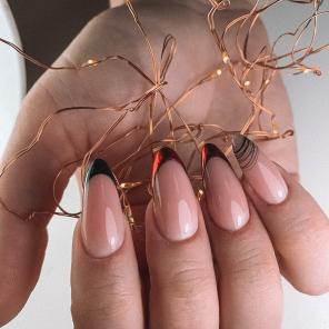 Наращивание ногтей с цветным френчем фольгой и паутинкой гель-лаком